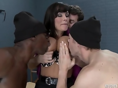 Erik Everhard,James Deen,Lisa Ann plus Sean Michaels on touching incisive minds with incisive dicks. Sexy MILF teacher with big tits gets a great ensemble prosperity on touching prison. Regarding double penetration plus fantastic blow jobs. This is one hos scene.