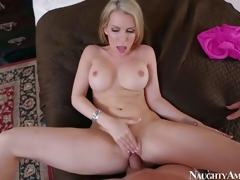 Courtney Cummz is a dangerously X wife with blonde hair with the addition of perfect boobs. MILF spreads their way long hooves with reference to with the addition of gets their way pink hole drilled by their way lucky whisper suppress from your point of view