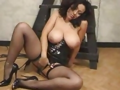 Dominant-bitch There High Heels Masturbates