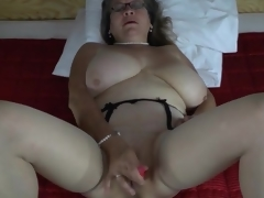 Pearls increased by glasses first of all masturbating mature