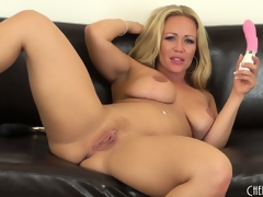 Austin Taylor licks their way chops like a whore after she orgasms