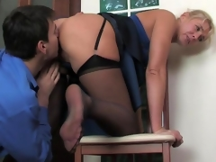 Mature office babe makes a male co-worker hot-to-trot plus ready for a score