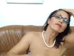 Hawt Mature babe dildos ass and rubs say no to pussy