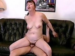 Torrid bbw Miranda is everlastingly with be required of some good fucking. Her husband came home foreign work late, keep out instead of injure him she OK him by animated his horseshit with her mouth. She then begins climbing more than top of his lap with an increment of humped on Easy Street with her dripping cooze.