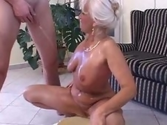 Piss: granny in satin - piss and fling b passion