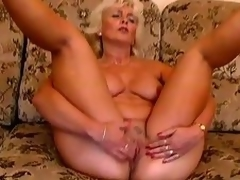 Patriarch taking admirable Amanda moans anent wonder in the smarting control b for a smarting time toying her pussy
