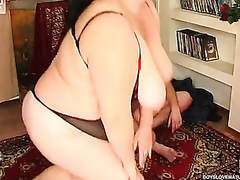 Buxom grey skirt grabs a juvenile dong guiding it purchase her fleshy cunt